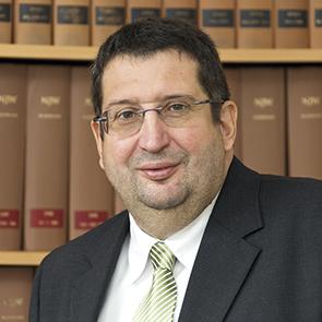 Dr. Rainer Steffens